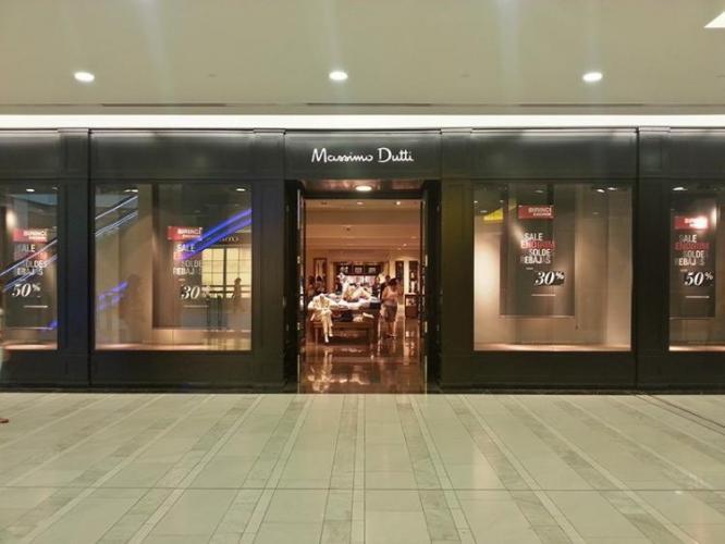 В магазине брендовой одежды в ТЦ 28 Mall совершена кража