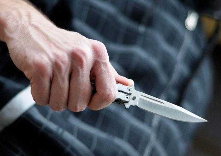 В Баку сотрудник аэропорта получил ножевое ранение