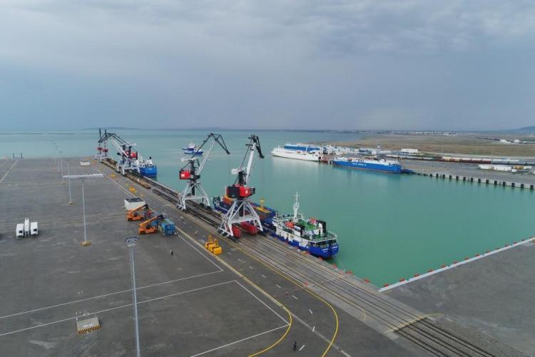 Азербайджан лидирует среди стран СНГ по эффективности услуг морских портов