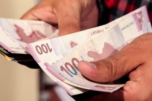В Азербайджане могут заморозить кредитные долги граждан - АНОНСИРУЕТ ЭЛЬМАН РУСТАМОВ