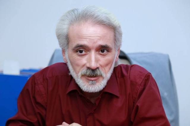 Азербайджанский актер за неделю потерял и отца и мать