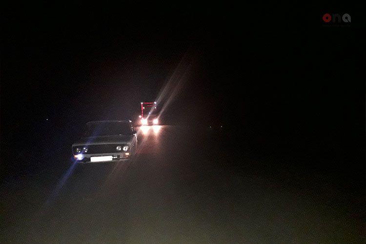 Водитель Opel тяжело ранен при столкновении с «КамАЗом» в Евлахе