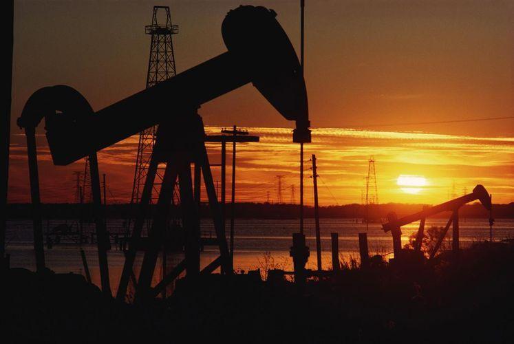 Цена азербайджанской нефти превысила 40 долларов