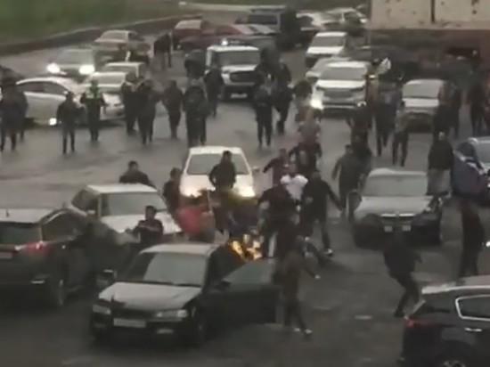 Азербайджанцы и дагестанцы устроили массовую драку в Норильске - ВИДЕО