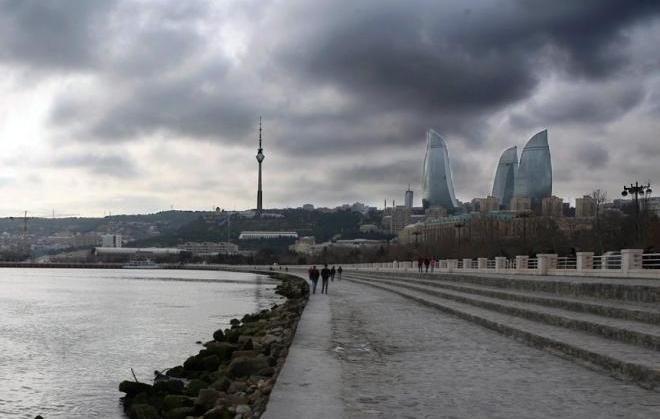 Завтра в Баку переменная облачность и туман